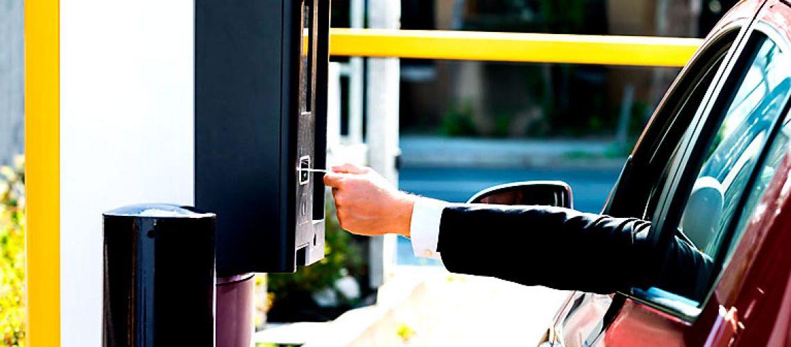 control de acceso vehicular y peatonal